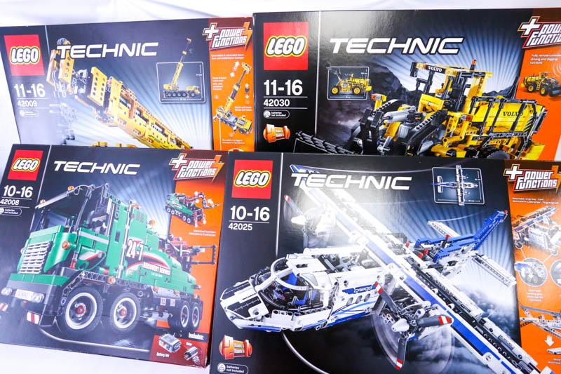 レゴテクニックの難しさ、それはレゴが嫌になるくらいの難しさ、でも完成したときはとんでもない充実感が待っているのです。。。・