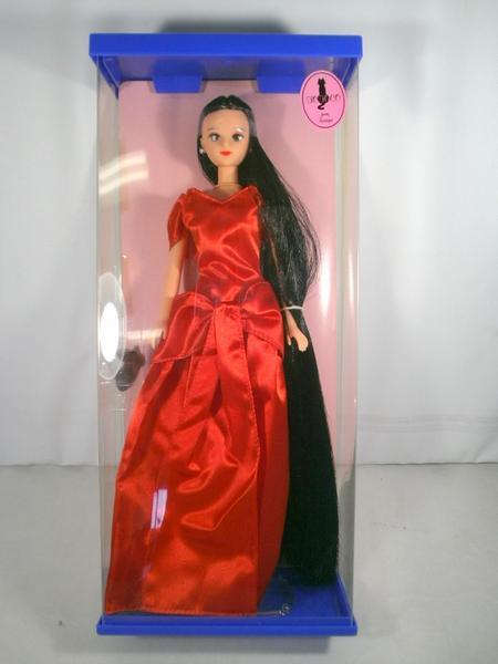 黒髪ロング リナ 赤ロングドレス TOTOCO