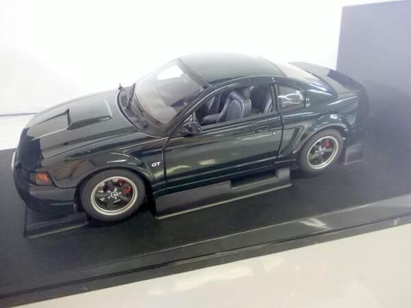 オートアート 1/18 フォード ブリット マスタングGT 2001 72851