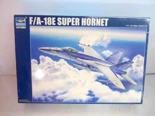 トランペッター 1/32 F/A-18E スーパーホーネット 03204