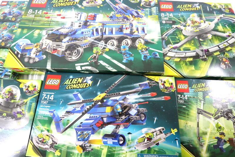 レゴのエイリアンコンクエストを大量でも高価買取いたします。
