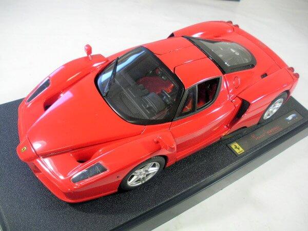 ホットウィール1/18 ELITE 【Luno Ferrari】