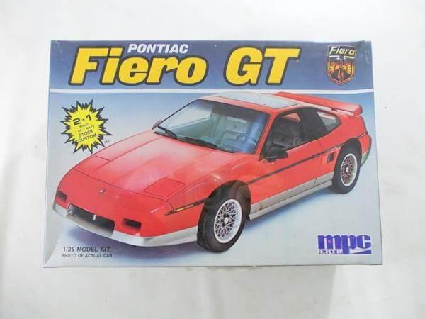 mpc/ERTL 1/25 PONTIAC Fiero GT