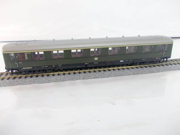 メルクリン 急行客車 1等 DB 43202 HOゲージ