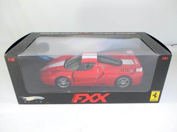 ホットウィール 1/18 フェラーリ FXX J8246-0510