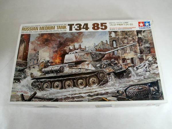 小鹿タミヤ1/35【中戦車T-34/85リモコンタンク