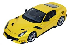 1/18 フェラーリ F12 TDF イエローメタリック